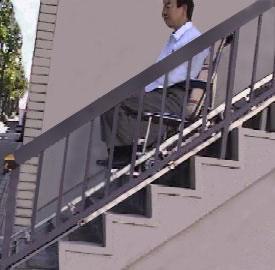 ウインチ式車椅子用昇降機